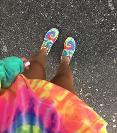 vans Blue Things dark blue color meaning Trendy Outfits, Summer Outfits, Fashion Outfits, Fashion Fashion, Looks Style, My Style, Summer Aesthetic, Aesthetic Fashion, Painted Shoes