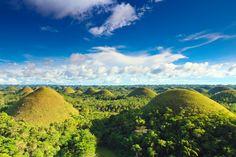 プロが選んだ「死ぬ前に一度は行くべき名所」の1つ。フィリピンのポホール島のチョコレートヒル。 Chocolate Hill in Phillipinnes