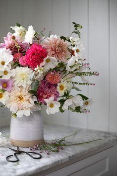 Happy Flowers, All Flowers, Growing Flowers, Planting Flowers, Beautiful Flowers, Cut Flower Garden, My Flower, Flower Vases, Flower Power