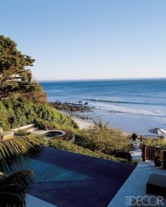 A dark-bottom infinity pool in Malibu, California at the home of Cindy Crawford and Rande Gerber