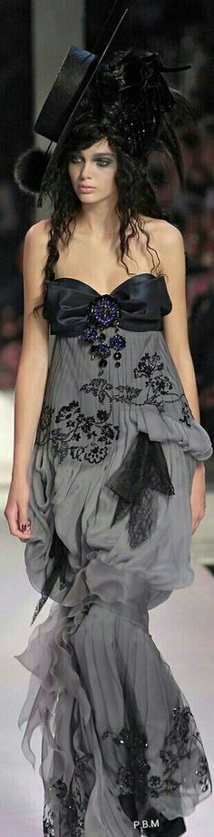 Christian Lacroix 2014 Beautiful dress! jαɢlαdy