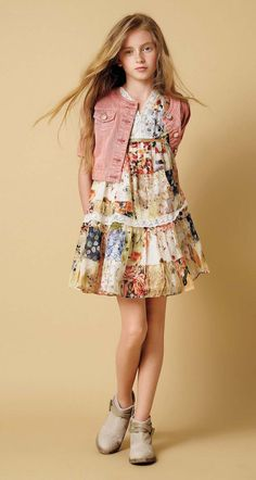 Twin-set girl spring summer 2016 flowers Twin-set girl spring summer 2016 floral print with a romantic vintage flavour Cute Girl Dresses, Dresses For Teens, Little Girl Dresses, Dresses Online, Baby Dresses, Dress Girl, Spring Dresses, Kids Outfits Girls, Girl Outfits