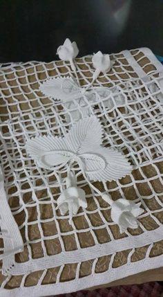 1 million+ Stunning Free Images to Use Anywhere Freeform Crochet, Filet Crochet, Irish Crochet, Crochet Doilies, Crochet Lace, Crochet Stitches, Crochet Flower Tutorial, Crochet Flower Patterns, Crochet Flowers