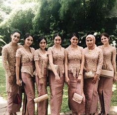 Wedding dresses hijab scarfs 58 Ideas for 2019 Kebaya Muslim, Kebaya Modern Hijab, Model Kebaya Modern, Kebaya Hijab, Kebaya Dress, Batik Kebaya, Modern Hijab Fashion, Batik Fashion, Batik Dress