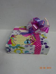 Caja de chocolates en cartón corrugado. #ChocolatesPersonalizadosMedellin #ChocolatesAmorBogota