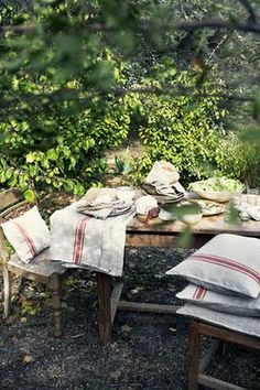 via sanctuary: linen picnic