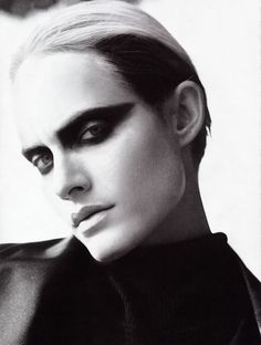Amber Valletta. makeup a la blade runner