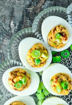This BLT deviled eggs recipe started the way so many do in my kitchen: I was sick of eating the same old same old,. Keto Breakfast Smoothie, Low Carb Breakfast, Breakfast Recipes, Breakfast Ideas, Atkins, Pesto, Healthy Dinner Recipes, Diet Recipes, Recipies