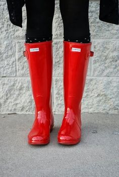 Red Hunter boots. The BEST rain boots a girl can own. Love this color! About to order a couple pairs