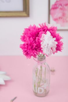 DIY decoration: make paper flowers quickly and easily – Towel Ideas 2020 Paper Towel Roll Crafts, Easy Paper Crafts, Diy Paper, Christmas Vases, Christmas Diy, Preschool Gifts, Diy Letters, Marquee Letters, Diy Candle Holders