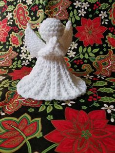 This Christmas crochet Angel makes a lovely tabletop decoration, add a length of ribbon (or crochet chain) for a tree ornament or decoration in your home.
