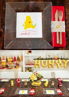 Modern Winnie the Pooh Baby Shower Table + Free Printable Winnie Plate Liners Baby Shower Table, Boy Baby Shower Themes, Baby Shower Printables, Baby Shower Games, Baby Boy Shower, Baby Shower Decorations, Baby Showers, Winnie The Pooh Themes, Winnie The Pooh Birthday
