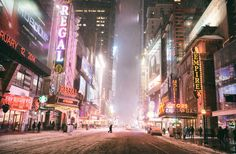 Snowy Times Square, photographed by Vivienne Gucwa