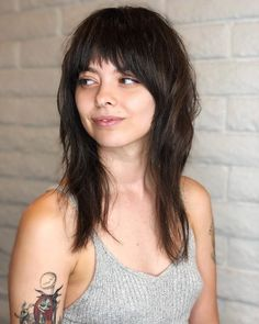 Fun and Playful Face Framing Tapered Haircut Edgy Long Haircuts, Medium Long Haircuts, Haircuts Straight Hair, Long Hair Cuts, Cool Haircuts, Long Hair Styles, Try On Hairstyles, Hairstyles For Round Faces, Tapered Haircut