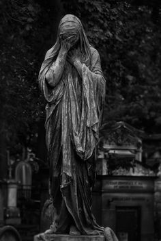 do a living statue project of a graveyard angel.