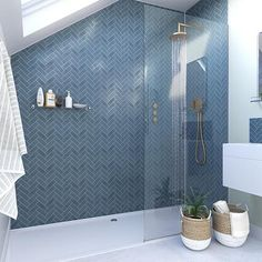Small Bathroom Interior, Loft Bathroom, Bathroom Goals, Upstairs Bathrooms, Bathroom Design Luxury, Hall Bathroom, Master Bathroom, Family Bathroom, Shower Wall Kits