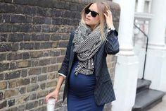 Love this chic look by the fashion guitar