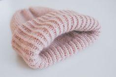 Crochet Chart, Diy Crochet, Knitting Patterns, Crochet Patterns, Crochet Accessories, Knit Beanie, Handicraft, Knitted Hats, Needlework