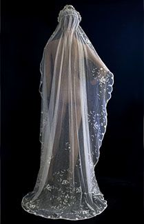 Princess lace wedding veil, c.1910. The tulle is hand appliquéd with bouquets of princess lace flowers.