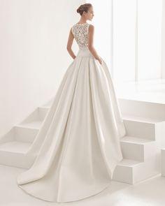 Couture-Brautkleid aus Mikado-Seide / Ottoman / Seidenorganza / Seidengazar. Rosa Clará Kollektion 2017.