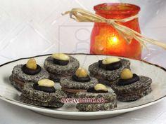 Makové kolieska • Recept | svetvomne.sk Czech Recipes, Izu, Christmas Cookies, Sweet Recipes, Cookie Recipes, Waffles, Sweet Tooth, Cheesecake, Muffin