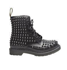 estilo-punk-style-look-rock-glamour-chic-modaddiction-design-diseno-moda-fashion-trends-tendencias-modelo-vestido-accesorios-zapatos-shoes-dr-martens