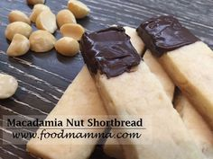 Buttery nutty shortbread with macadamia nuts. Snack Recipes, Snacks, Shortbread, Pecan, Cereal, Almond, Breakfast, Desserts, Food