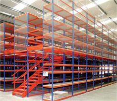 Mezzanine racking system, maximize your warehouse spacing. Kaveh Logistics focuses mainly into providing highly sophisticated and total solutions in Dubai, UAE. Warehouse Shelving, Warehouse Office, Warehouse Design, Shelving Design, Shelving Systems, Industrial Storage Racks, Heavy Duty Racking, Pallet Storage, Storage Room
