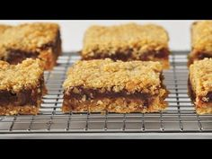 Date Squares are a delicious combination of pureed dates sandwiched between layers of buttery oatmeal crust. With Demo Video The Oatmeal, Lord Byron, Over The Top, Iftar, Cookie Exchange, Johanna Johnson, Baking Recipes, Dessert Recipes, Date Squares