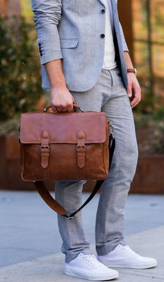 Sleek and clean, it's no surprise the British Belt Co. Antique Cruz is our best selling bag. Suits And Sneakers, Dad Sneakers, Work Fashion, Mens Fashion, Fashion Trends, Smart Casual Work, Blazers, Jack Threads, Mens Attire