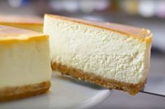 Cheesecake is one of those top 10 desserts that everyone loves, but nobody ever wants to make it. It's too difficult and it may crack, it has to be baked in Cheesecake Recipe Heavy Cream, Cheesecake Recipes, Dessert Recipes, Pie Cake, No Bake Cake, Food Cakes, Cupcake Cakes, Cake Cookies, Love Food