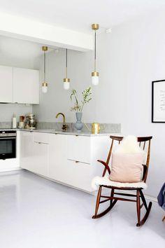hvitt/gull kjøkken