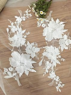 * super Exquisite ivory bridal lace applique pair , thick ivory floral embroidery , very chic and beautiful * Graceful ivory color, perfect choice for wedding gown / bridal dress decor, bodice , wedding dress applique, bridal headpiece applique, evening gown applique, sash applique, wedding