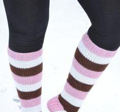 Viime syksynä tuli myös neulottua pari paria tooodella herkullisia sukkia - tällä kertaa inspiraatioina toimi ruoka, erityisesti herkut.   ... Tuli, Leg Warmers, Legs, Fashion, Leg Warmers Outfit, Moda, Fashion Styles, Fashion Illustrations, Bridge