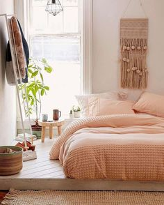 """4,873 Likes, 33 Comments - Immy + Indi (@immyandindi) on Instagram: """"Loving this colour bed linen via @urbanoutfitters   #bedroom #bedroomdecor #bedroominspo #peach"""""""