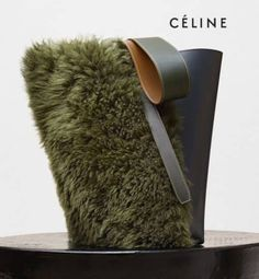 Celine Light Khaki Shearling and Navy Blue Shiny Smooth Calfskin Small Twisted Cabas Bag Leather Craft, Leather Bag, Green Leather, Leather Fashion, My Bags, Purses And Bags, Fashion Bags, Fashion Accessories, Diy Pochette