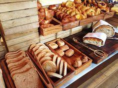 hotel breakfast Breakfast Buffet Ideas Food Stations 50 Ideas For 2019 Hotel Breakfast Buffet, Breakfast Diner, Hotel Buffet, Breakfast Ideas, Diner Recipes, Brunch Recipes, Mole, Salad Buffet, Low Carb Milk