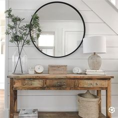 Foyer Console Table Decor Shiplap Accent Wall Shiplap walls and a distressed con Entryway Decor Ideas Accent con Console decor Distressed foyer Shiplap Table Wall Walls Flur Design, Ship Lap Walls, Entryway Decor, Front Entry Decor, Entrance Table Decor, Entryway Bench Modern, Entry Table With Mirror, Modern Entry Table, Farmhouse Entryway Table