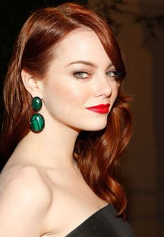 This week on my Celebrity Makeup Files feature is Emma Stone, the stunning natural redhead known for iconic looks on the red carpet. Emma Stone has porcelain skin, gorgeous… Beauty Crush, Cabelo Emma Stone, Emma Stone Red Hair, Red Hair Red Lips, Red Hair Color, Color Red, Amber Color, Copper Color, Pink Lips