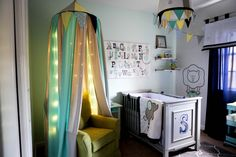 Love the colors and personal touches in this vintage circus #nursery!