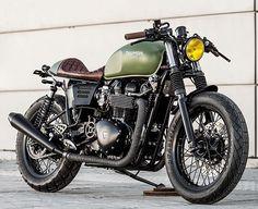 @maccomotors Macco Motors Thruxton 'Lady Speed' (Via the Bike Shed). #triumph #motorcycle #caferacer #motorsports #tw