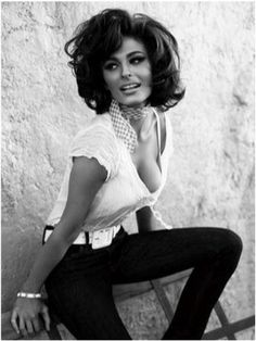 sofia loren looking like a total sex kitten in jeans