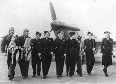 Important work: A group of British and American fliers pictured atWhite Waltham Airfield Berkshire in 1942 Women In Combat, Women's Army Corps, Female Pilot, Beard Lover, Modern History, British History, American History, Battle Of Britain, Remembrance Day