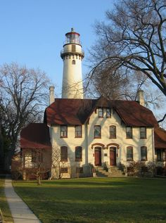31 #Illinois Historic Sites you Must Visit. (Pictured) Grosse Point #Lighthouse Edited    http://www.roanokemyhomesweethome.com