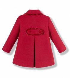 Abrigo con capota para niña en paño rojo combinado con terciopelo