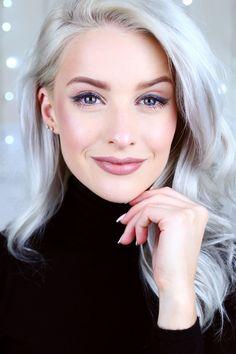 Estee Lauder x Victoria Beckham - Inthefrow Grey Hair Over 50, Grey Hair Wig, Long Gray Hair, Lace Hair, Curly Hair, Brown Hair, Short Hair, Hair Rods, Light Auburn Hair