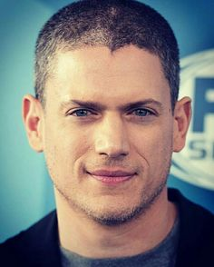 @Regrann from @prettyfishscofield  -  Goodmorning to y'all! #wentworthmiller #michaelscofield #prisonbreak #sarahwaynecallies #dominicpurcell #legendsoftomorrow #wentworthmilleractorwriter #captaincold #Regrann