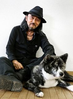 Legendary fashion designer King Yohji Yamamoto and RinVideo Yohji Yamamoto, All Black Fashion, All Black Outfit, Black Outfits, Rei Kawakubo, Yoshi, Japanese Fashion Designers, Dog Day Afternoon, Japanese Design