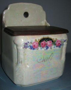 Vintage Luster White w Pink Roses Design Salt Box Wall Hung w Wood Lid Victoriag Vintage Dishes, Vintage Kitchen, Kitchen Dishes, Kitchen Items, Spice Containers, Blue Dishes, Salt Box, Blue Onion, Rose Design