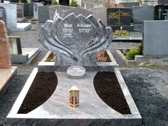 Tombstone Pictures, Cemetery Art, Funeral, Sidewalk, Wreaths, Celebrity, Outfit, Manualidades, All Saints Day